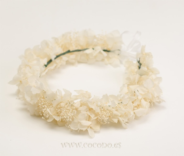 corona flores comunion hortensias