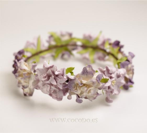 corona de flores malva