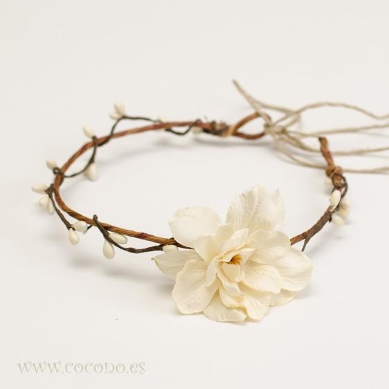 media corona pistilos y flor