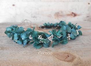 corona de hortensias preservadas verde